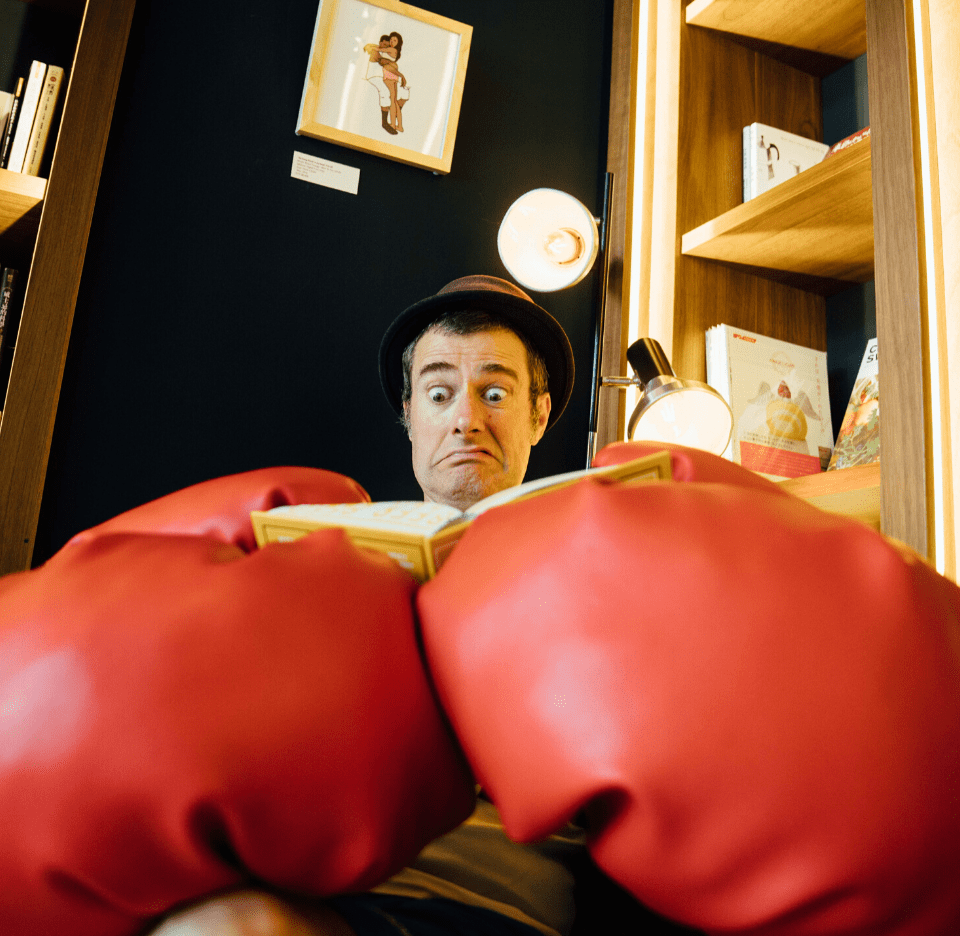 Boxing gloves reading Fraser Hooper-min