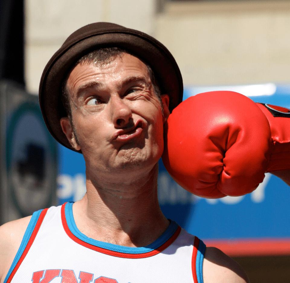 Face punch Fraser Hooper-min